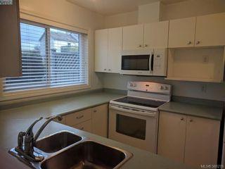 Photo 11: 103 3215 Rutledge St in VICTORIA: SE Quadra Condo for sale (Saanich East)  : MLS®# 780280