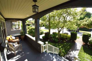 Photo 2: 1224 LAKEWOOD Drive in Vancouver: Grandview Woodland House for sale (Vancouver East)  : MLS®# R2582446