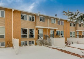 Main Photo: 22 116 Silver Crest Drive NW in Calgary: Silver Springs Row/Townhouse for sale : MLS®# A1086308