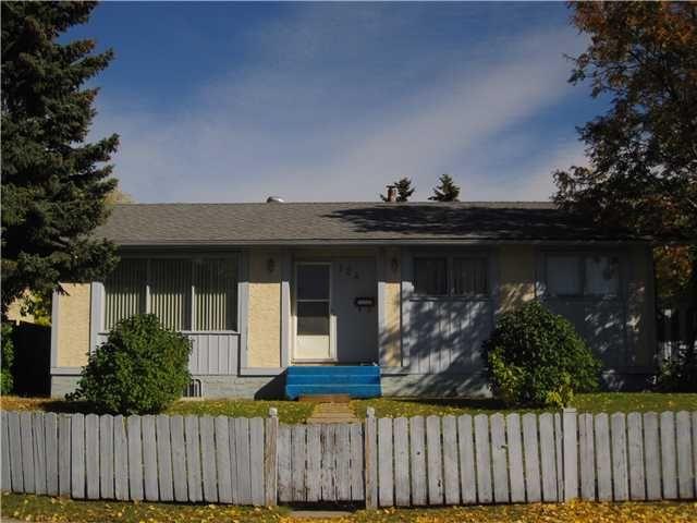 Main Photo: 124 PENSACOLA Close SE in CALGARY: Penbrooke Residential Detached Single Family for sale (Calgary)  : MLS®# C3550935