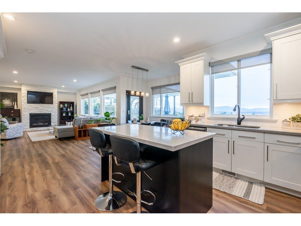 Main Photo: 32410 BEST Avenue in Mission: Mission BC House for sale : MLS®# R2555343