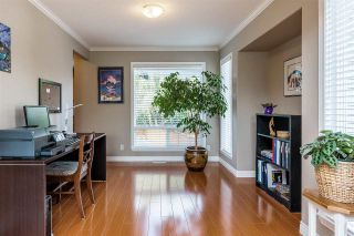 """Photo 4: 6863 183 Street in Surrey: Cloverdale BC House for sale in """"Cloverwoods"""" (Cloverdale)  : MLS®# R2394519"""