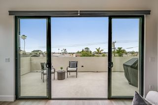 Photo 12: PACIFIC BEACH House for sale : 4 bedrooms : 4056 Haines St in San Diego