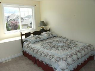 """Photo 15: 6333 167A Street in Surrey: Cloverdale BC House for sale in """"CLOVER RIDGE"""" (Cloverdale)  : MLS®# F1113809"""