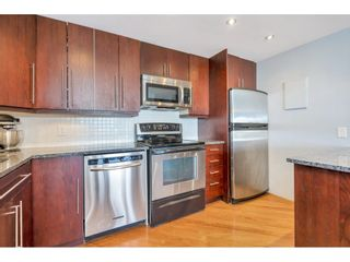 """Photo 4: 807 15111 RUSSELL Avenue: White Rock Condo for sale in """"Pacific Terrace"""" (South Surrey White Rock)  : MLS®# R2481638"""