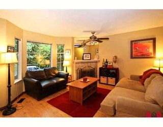 """Photo 2: 119 8655 KING GEORGE Highway in Surrey: Queen Mary Park Surrey Townhouse for sale in """"CREEKSIDE VILLAGE"""" : MLS®# F2917932"""