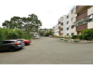 Photo 18: 301 614 Fernhill Pl in VICTORIA: Es Rockheights Condo for sale (Esquimalt)  : MLS®# 705977