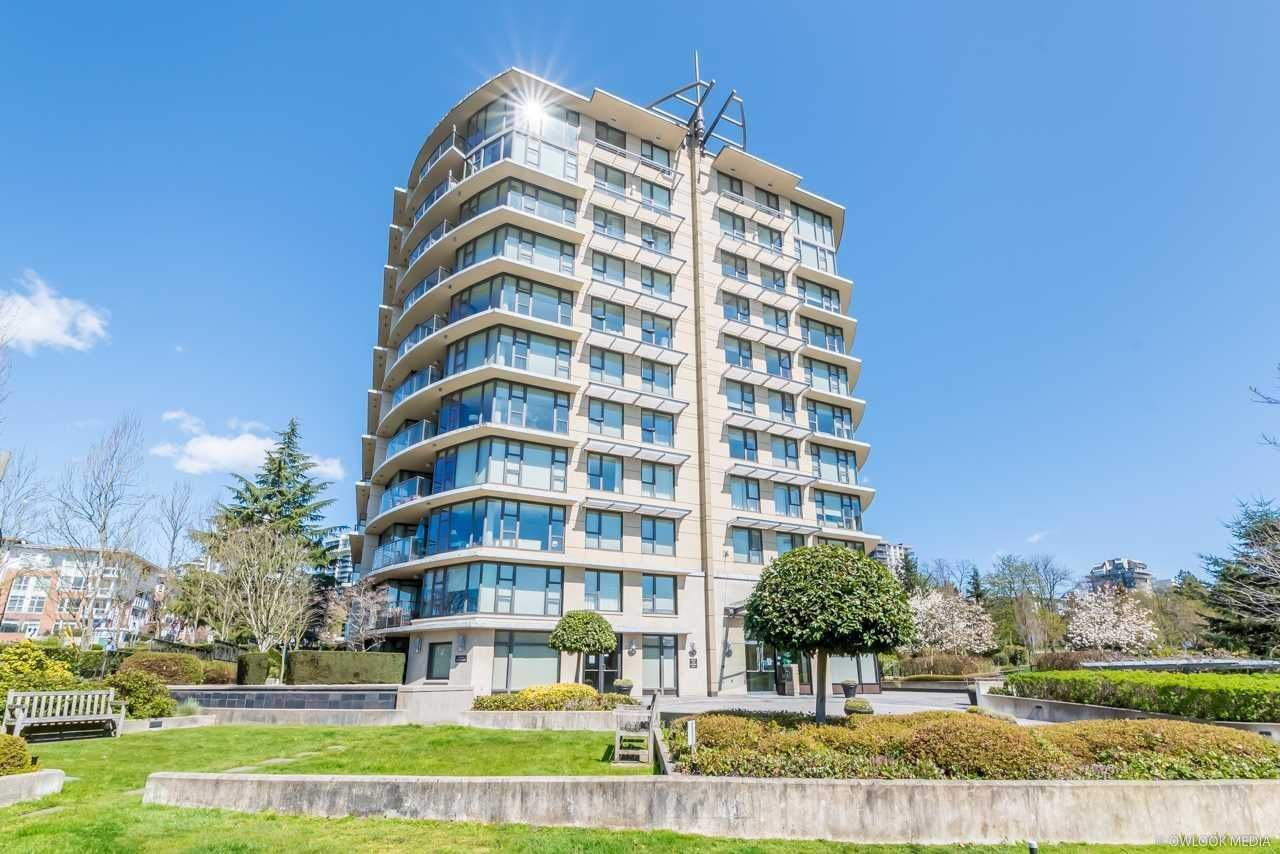"""Main Photo: PH2 683 W VICTORIA Park in North Vancouver: Lower Lonsdale Condo for sale in """"MIRA ON THE PARK"""" : MLS®# R2581908"""