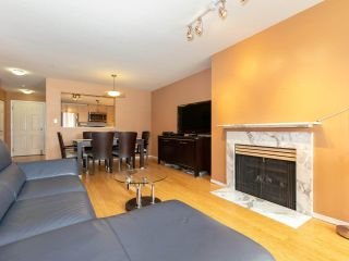 """Photo 5: 215 3400 SE MARINE Drive in Vancouver: Champlain Heights Condo for sale in """"Tiffany Ridge"""" (Vancouver East)  : MLS®# R2392821"""