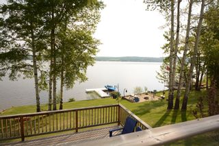 Photo 4: 13204 Lakeshore Drive in Charlie Lake: House for sale