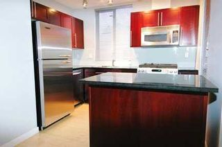 "Photo 4: 122 E 3RD Street in North Vancouver: Lower Lonsdale Condo for sale in ""THE SAUSALITO"" : MLS®# V622210"