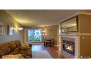 Photo 2: 103 689 Bay St in VICTORIA: Vi Downtown Condo for sale (Victoria)  : MLS®# 657381