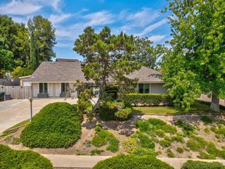 Photo 3: SAN CARLOS House for sale : 4 bedrooms : 6762 Golfcrest Dr in San Diego