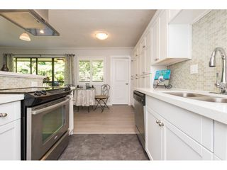 """Photo 5: 301 1355 FIR Street: White Rock Condo for sale in """"The Pauline"""" (South Surrey White Rock)  : MLS®# R2262403"""
