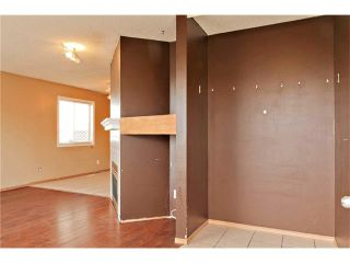 Photo 2: 87 APPLEBROOK Circle SE in Calgary: Applewood Park House for sale : MLS®# C4088770
