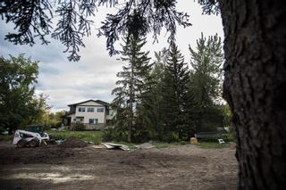 Photo 3: 10 Bowbank Crescent NW in Calgary: Bowness Residential Land for sale : MLS®# A1148358
