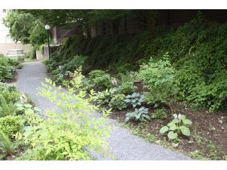 """Photo 2: # 109 1040 E BROADWAY BB in Vancouver: Mount Pleasant VE Condo for sale in """"MARINERS MEWS"""" (Vancouver East)  : MLS®# V901306"""