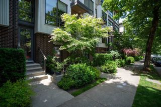 Photo 1: 3673 COMMERCIAL STREET in Vancouver: Victoria VE Townhouse for sale (Vancouver East)  : MLS®# R2375971