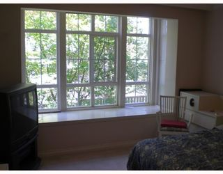 """Photo 4: 211 1001 W 43RD Avenue in Vancouver: South Granville Condo for sale in """"OAK GARDENS"""" (Vancouver West)  : MLS®# V775272"""