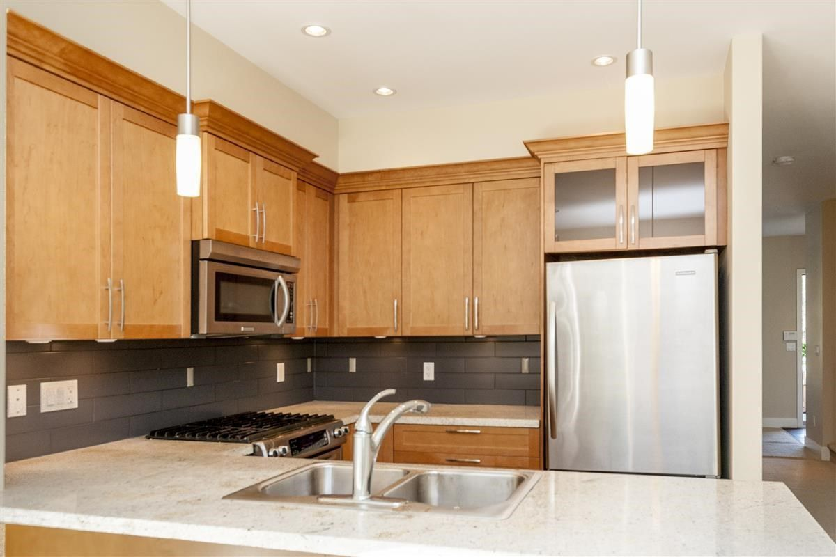 """Photo 7: Photos: 230 BROOKES Street in New Westminster: Queensborough Condo for sale in """"MARMALADE SKY"""" : MLS®# R2227359"""