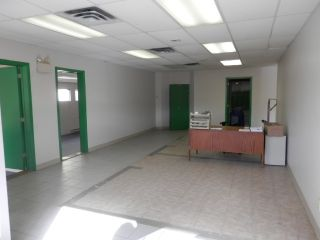 Photo 3: 684 LAHAVE Street in Bridgewater: 405-Lunenburg County Commercial  (South Shore)  : MLS®# 202106348