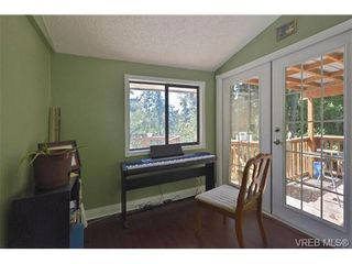 Photo 4: 905 Gade Rd in VICTORIA: La Florence Lake House for sale (Langford)  : MLS®# 685302