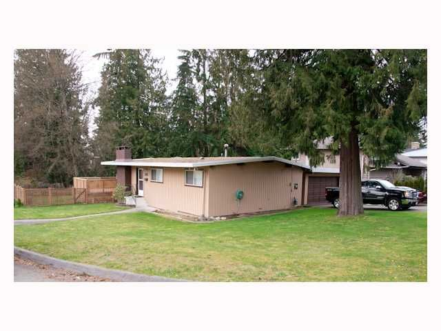 FEATURED LISTING: 560 TIPTON Street Coquitlam