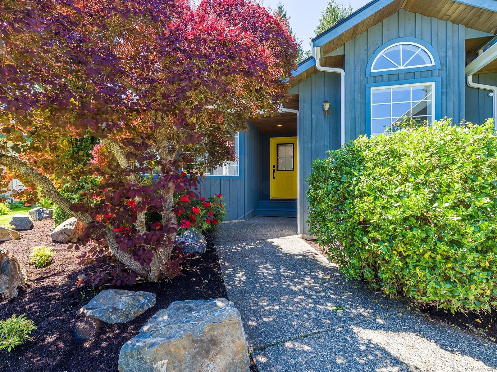 Main Photo: 851 Mulholland Dr in : PQ French Creek House for sale (Parksville/Qualicum)  : MLS®# 878498