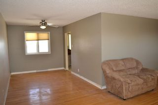 Photo 4: 45 Mayfair Road SW in Calgary: Meadowlark Park Detached for sale : MLS®# A1064150