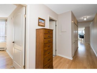 """Photo 4: 705 15111 RUSSELL Avenue: White Rock Condo for sale in """"Pacific Terrace"""" (South Surrey White Rock)  : MLS®# R2594025"""