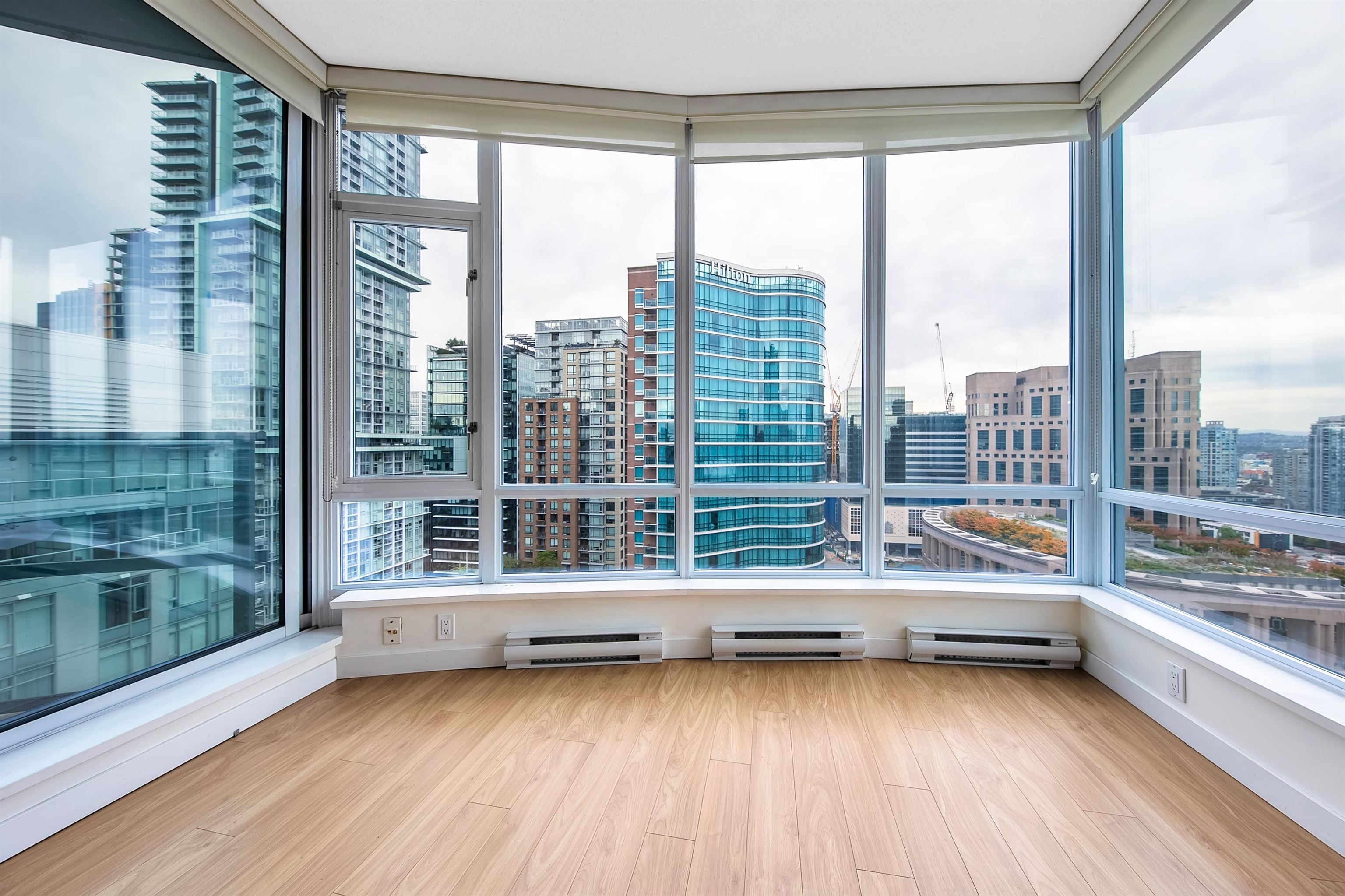 """Photo 10: Photos: 2302 833 HOMER Street in Vancouver: Downtown VW Condo for sale in """"Atelier"""" (Vancouver West)  : MLS®# R2615820"""
