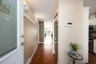 Photo 7: 10 300 Six Mile Rd in : VR Six Mile Row/Townhouse for sale (View Royal)  : MLS®# 879700