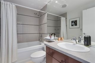 Photo 12: 3803 1033 MARINASIDE CRESCENT in Vancouver: Yaletown Condo for sale (Vancouver West)  : MLS®# R2257056