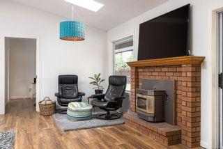 Photo 3: 5065 Lakeridge Pl in : SE Cordova Bay House for sale (Saanich East)  : MLS®# 860143