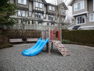 """Photo 5: 44 20176 68TH Avenue in Langley: Willoughby Heights Townhouse for sale in """"Steeple Chase"""" : MLS®# F1401877"""