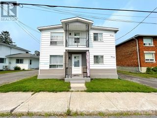 Photo 1: 274-276 LAURIER STREET in Hawkesbury: Multi-family for sale : MLS®# 1253394