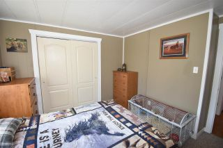 """Photo 17: 23 95 LAIDLAW Road in Smithers: Smithers - Rural Manufactured Home for sale in """"Mountain View Mobile Home Park"""" (Smithers And Area (Zone 54))  : MLS®# R2591986"""