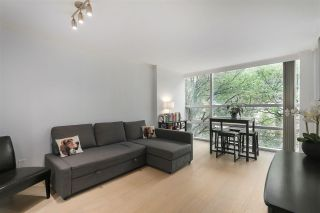 """Photo 8: 402 1050 BURRARD Street in Vancouver: Downtown VW Condo for sale in """"WALL CENTRE"""" (Vancouver West)  : MLS®# R2362675"""