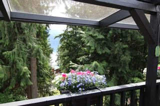 Photo 2: 7716 Golf Course Road in Anglemont: North Shuswap House for sale (Shuswap)  : MLS®# 10135100