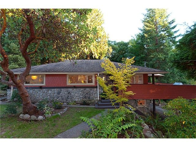 Main Photo: 3092 Paisley Road in Vancouver: Capilano NV House for sale (North Vancouver)  : MLS®# V975826