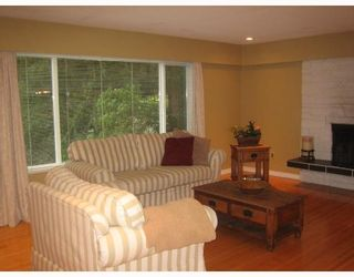 "Photo 2: 2325 WHITMAN Avenue in North_Vancouver: Blueridge NV House for sale in ""BLUERIDGE"" (North Vancouver)  : MLS®# V664643"