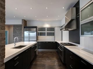 Photo 3: 8705 105 Street in Edmonton: Zone 15 House Half Duplex for sale : MLS®# E4247546