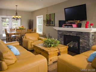 Photo 6: 3355 Sewell Rd in VICTORIA: Co Triangle House for sale (Colwood)  : MLS®# 572108