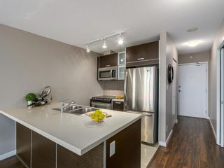 """Photo 5: 1408 9981 WHALLEY Boulevard in Surrey: Whalley Condo for sale in """"Park Place II"""" (North Surrey)  : MLS®# R2129602"""