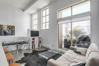 """Photo 4: 2838 WATSON Street in Vancouver: Mount Pleasant VE Townhouse for sale in """"DOMAIN TOWNHOMES"""" (Vancouver East)  : MLS®# R2218278"""