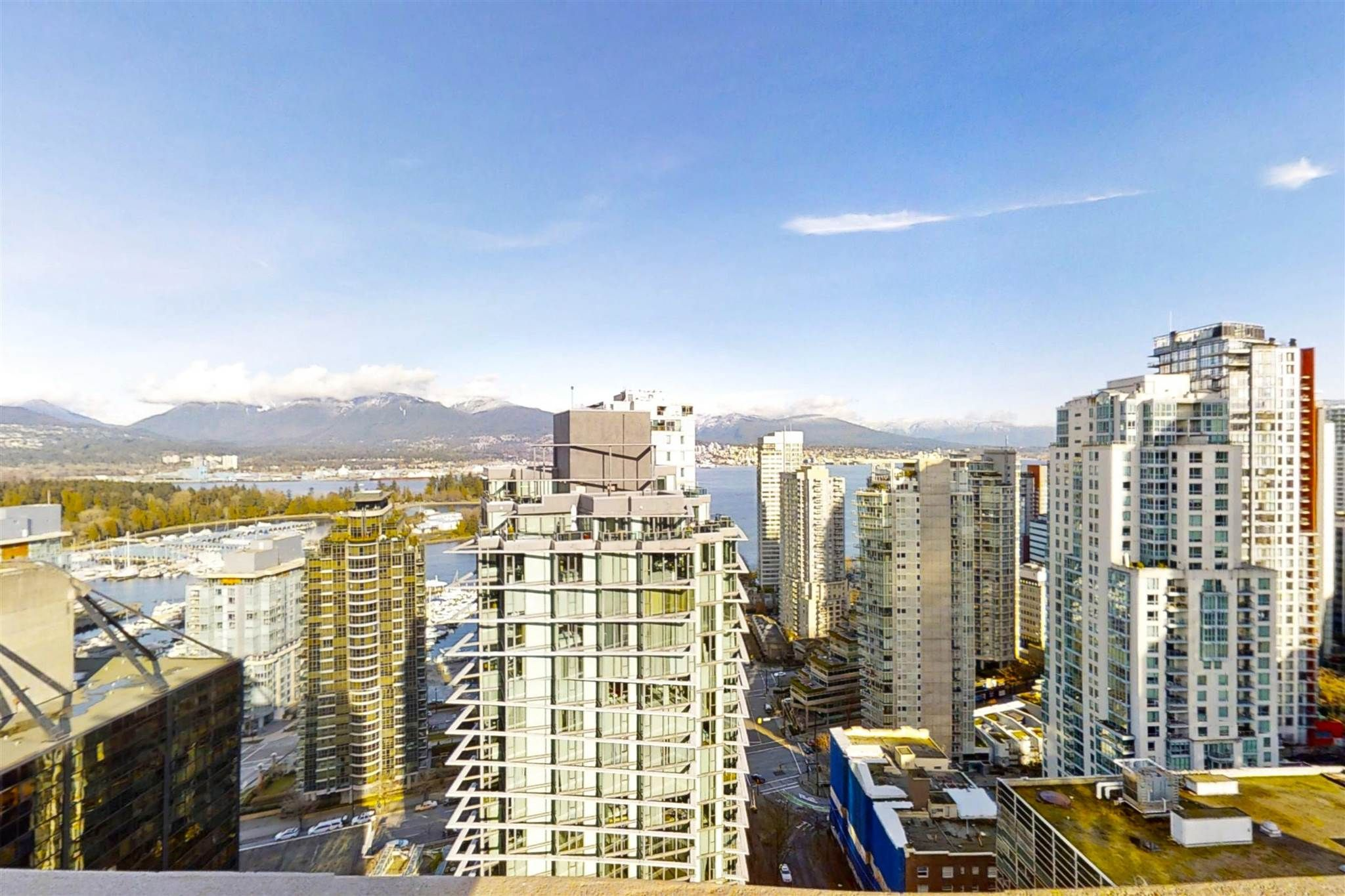 Main Photo: 3105 1331 ALBERNI Street in Vancouver: West End VW Condo for sale (Vancouver West)  : MLS®# R2608315