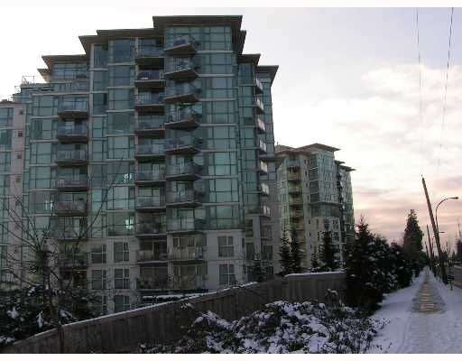 """Main Photo: 2733 CHANDLERY Place in Vancouver: Fraserview VE Condo for sale in """"RIVERDANCE"""" (Vancouver East)  : MLS®# V639504"""