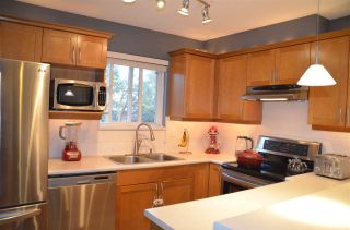 """Photo 2: 314 365 E 1ST Street in North Vancouver: Lower Lonsdale Condo for sale in """"Vista at Hammersly"""" : MLS®# R2151657"""