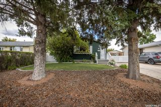 Photo 3: 133 Lloyd Crescent in Saskatoon: Pacific Heights Residential for sale : MLS®# SK869873