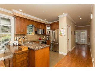 """Photo 3: 1 1486 EVERALL Street: White Rock Townhouse for sale in """"EVERALL POINTE"""" (South Surrey White Rock)  : MLS®# F1450870"""